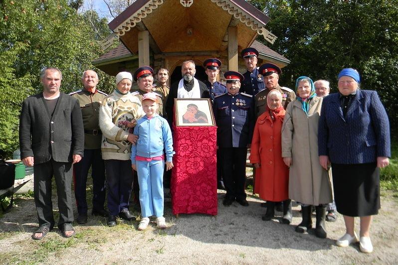 В день празднования иконы Пресвятой Богородицы «Донская» казаки Псковского округа молились на месте древнего захоронения воинов