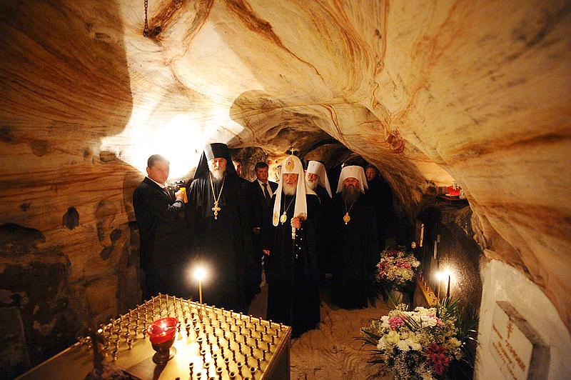 Посещение пещер Псково-Печерского монастыря (ВИДЕО)