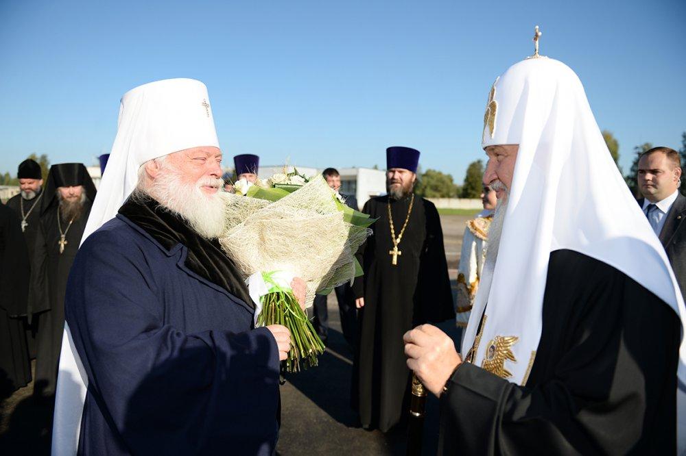 Святейший Патриарх Кирилл прибыл в Псковскую епархию (ВИДЕО)
