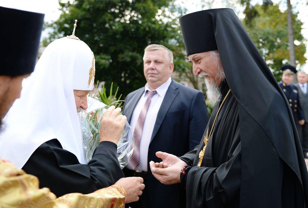 Предстоятель Русской Церкви посетил Псково-Печерский мужской монастырь (ВИДЕО)