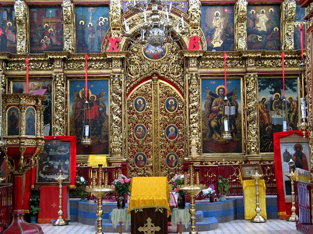Несколько слов об иконостасе Троицкого собора