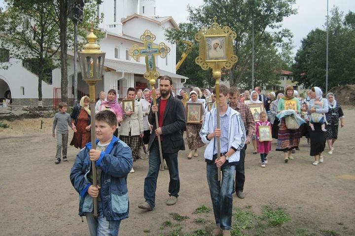 Вокруг Пскова состоялся восьмой Крестный ход
