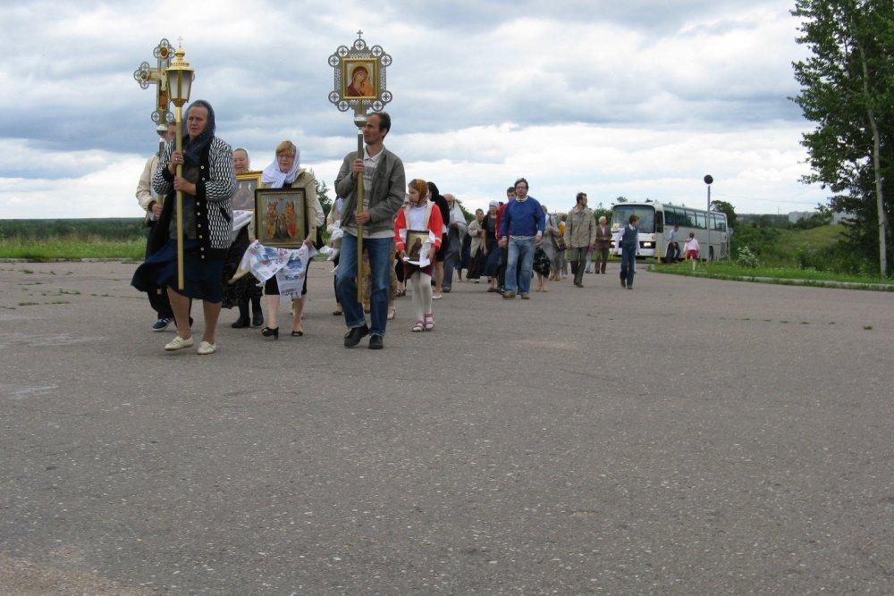 Состоялся седьмой Крестный ход вокруг города Пскова (ВИДЕО)