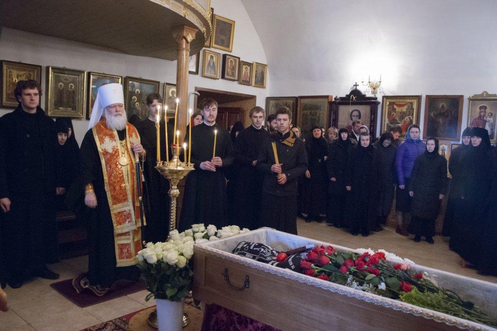 Во вторник Светлой Седмицы преставилась настоятельница Снетогорского монастыря схиигуменья Людмила (Ванина)