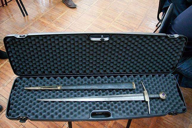 Анатолий Кирпичников попросил Андрея Турчака поговорить с митрополитом Евсевием, чтобы тот не прятал меч Довмонта