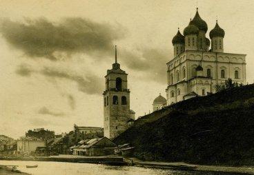 (ФОТО) Колокольня Псковского Троицкого собора