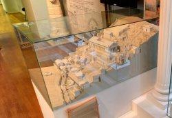 Храм святилище Аполлона в Дельфах, макет Николая Тимофеева